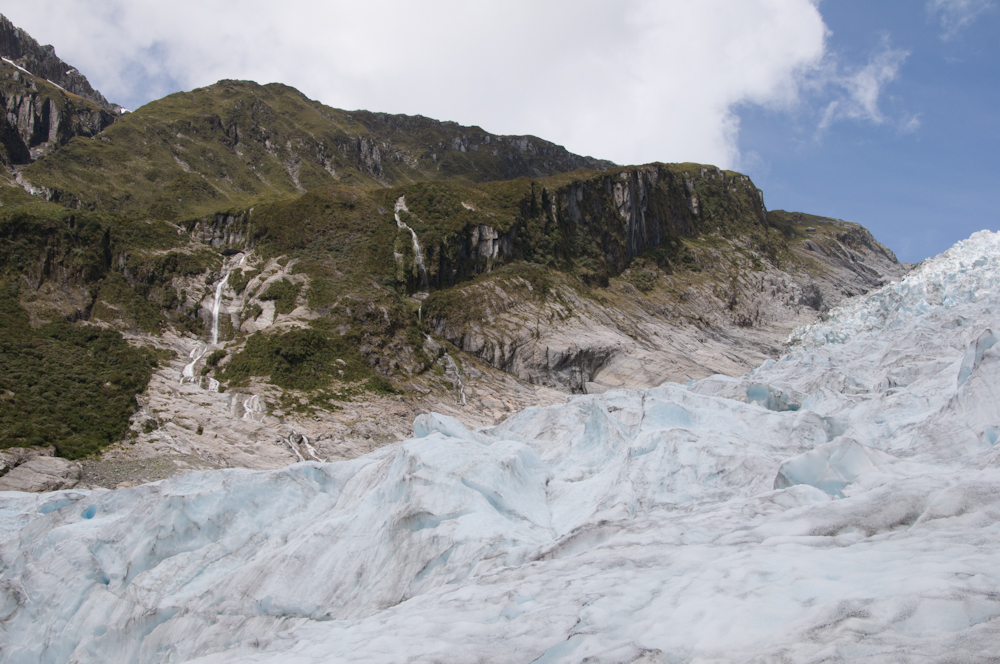 You can see how the glacier has cut the valley so sharply